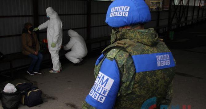 В Луганске отменили обязательную обсервацию для прибывших из Украины, если есть отрицательный ПЦР-тест сделанный на территорииРФ.