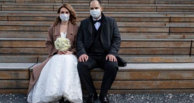 В Луганске запретили торжественные регистрации брака в ЗАГсах