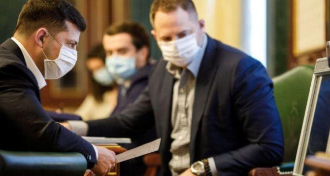 Президент Зеленский госпитализирован из-за коронавируса