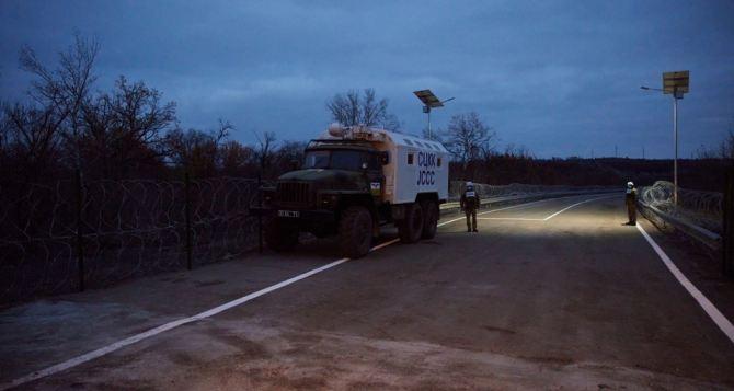Украина через КПВВ в Счастье не пустила в Луганск автомобили международной миссии с гуманитарным грузом,— представитель ТКГ