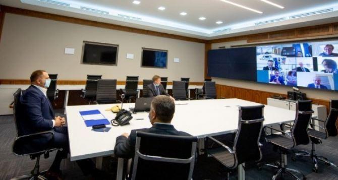 В Луганске заявили, что на внеочередной видеоконференции Трехсторонней контактной группы никаких решений принято не было.
