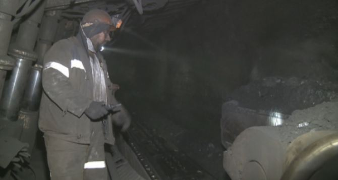 Шахтеры «Востокугля» за полгода подняли на-гора 3 млн тонн угля.