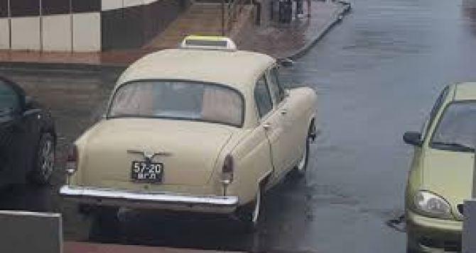 В Луганске подорожали услуги такси. Граждане жалуются