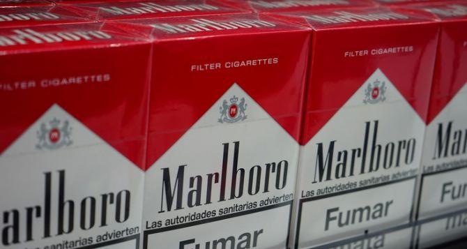 Контрабандную партию сигарет на 2,5 миллиона рублей изъяли таможенники в Краснодонском районе