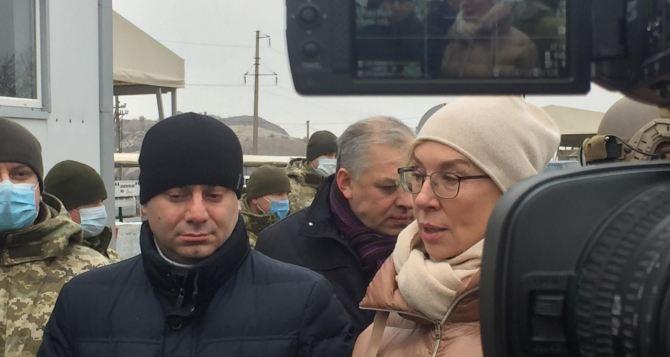 Глава комитета Верховной Рады узнавал у представителей ЛДНР, когда КПВВ вернутся к нормальному режиму работы. ВИДЕО
