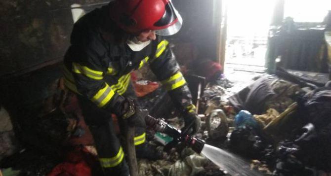 В Рубежном горела многоэтажка