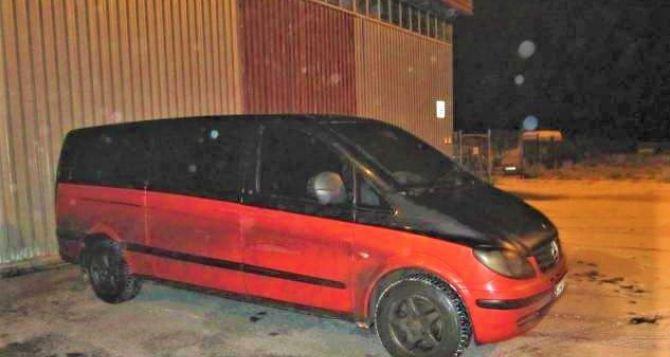 У жителя неподконтрольных территорий под Харьковом забрали автомобиль