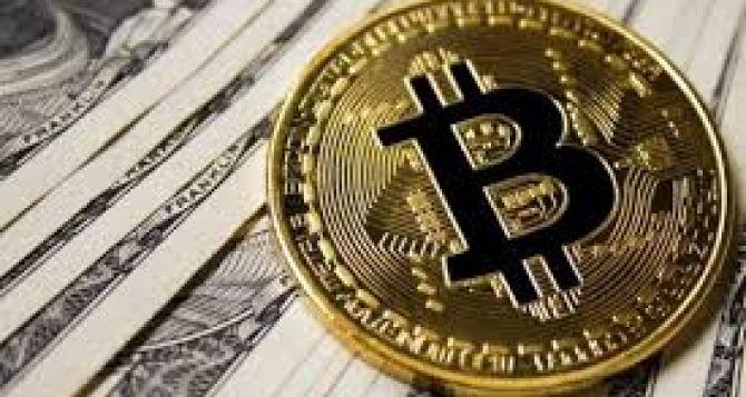 Курс валют сегодня скачет. Биткойн (BTC) достиг отметки 28000 долларов