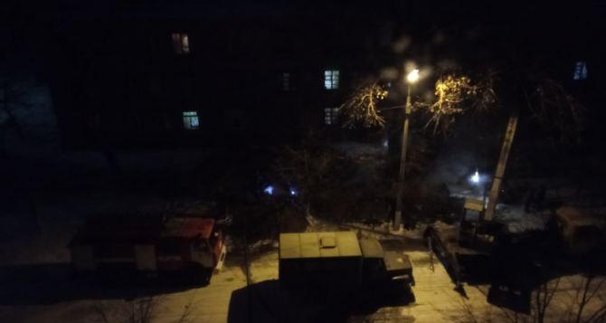 В замерзающем Алчевске уже завершили ремонт труб на аварийных участках. Но тепла пока нет