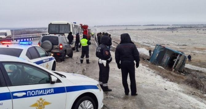 Пассажирский автобус «Донецк— Москва» перевернулся на трассе М-4. Есть погибшие и травмированные. ФОТО