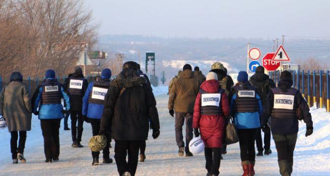 Как сейчас выглядит КПВВ «Золотое— Первомайск». Здесь председатель ОБСЕ вчера увидела, что продолжается война. ФОТО