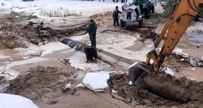 Из-за порывов на водоводе 60 тысяч жителей Донбасса остались без воды