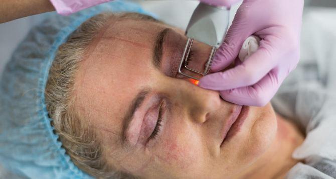 Преимущества и этапы проведения лазерной шлифовки лица
