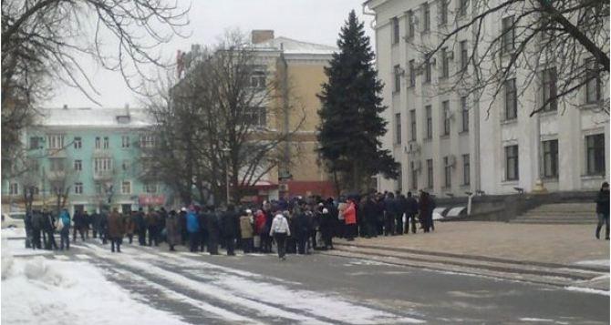 Киев планирует ввести в Луганске и Донецке переходные госадминистрации, но уже после присоединения Донбасса