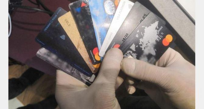 Хакеры из Харькова обчистили европейские и американские банки на сумму около 2,5 млрд США. ФОТО