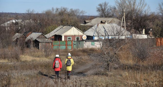 В Золотом-5 под обстрел попала школа