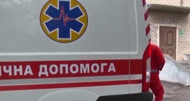 Девушка выпрыгнула из окна жилого дома в Мариуполе
