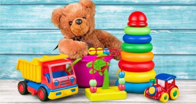 Как выбирать игрушки по возрасту ребенка
