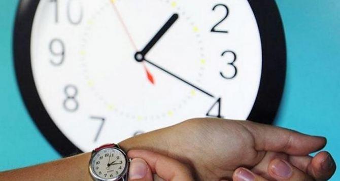 В Кабмине поддержали отмену перевода часов в Украине