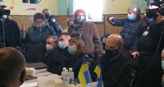 Жители Сиротино, пострадавшие от масштабных пожаров, выдвинули обвинения региональной власти