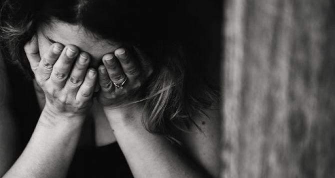 В Луганске за разглашение тайны удочерения наказали женщину