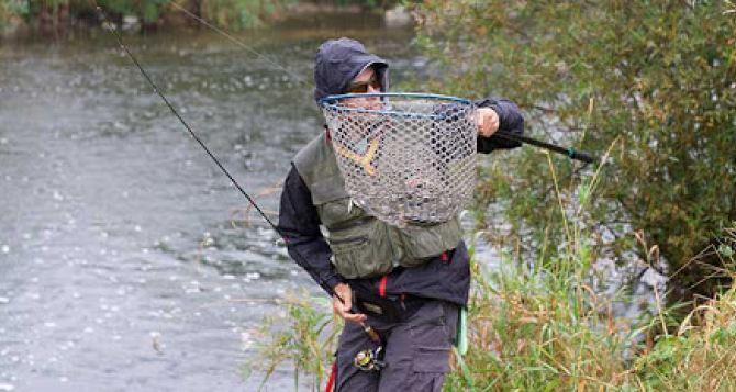 Запрет на лов рыбы и раков вступает с 1апреля