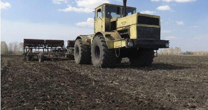 В Луганске начали весеннюю посевную кампанию