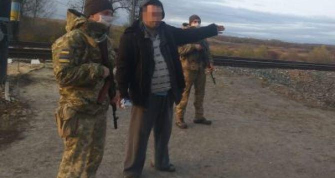 У Мелового на границе задержали пьяного россиянина, который мечтал стать украинцем