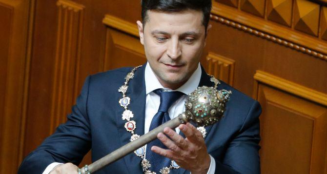 Зеленский ввел в действие новые санкции против ряда физических и юридический лиц