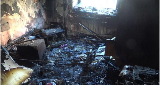 В Луганске сгорел магазин на Оборонной. ФОТО