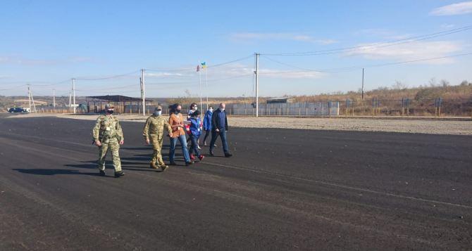 Золотое не Станица. Практики работы КПВВ «Станица Луганская» не хотят переносить на КПВВ «Золотое»