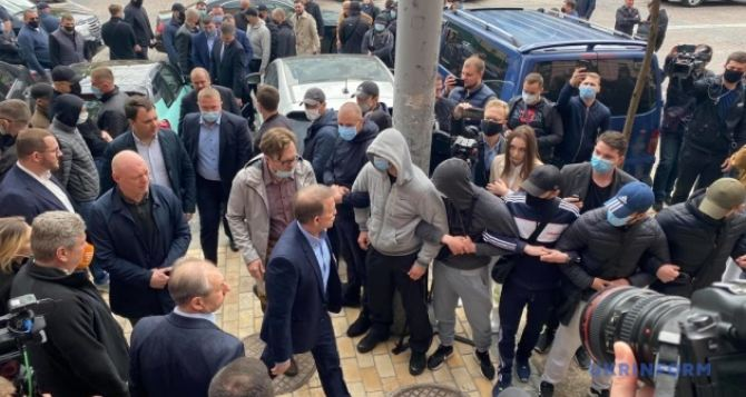 Медведчук пришёл в суд для избрание меры пресечения. ФОТО