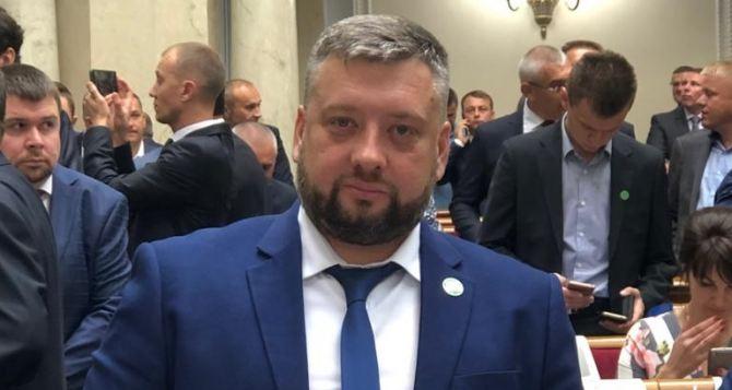 Депутат из Луганска инициировал закон об освобождении жителей ОРДЛО от штрафов за выезд черезРФ