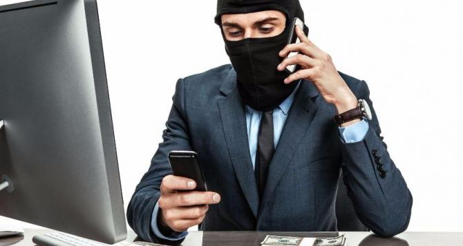 «Налоговики» пишут и звонят предпринимателям, просят накрыть им стол