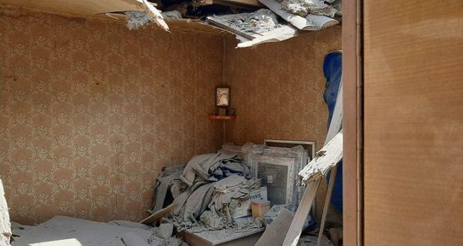 В Донецкой области под минометный обстрел попал частный сектор. Хозяева чудом остались живы
