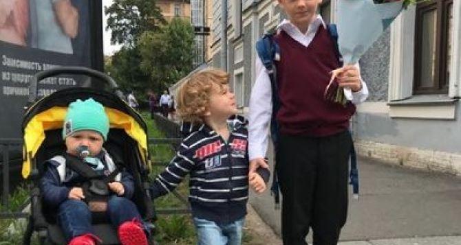 В Луганске отчитались сколько детей ходит в школы и детские сады