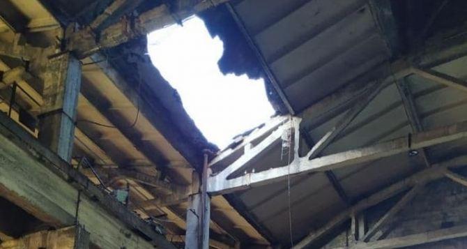 ЧП на Алчевском меткомбинате: обрушилась крыша цеха. ФОТО