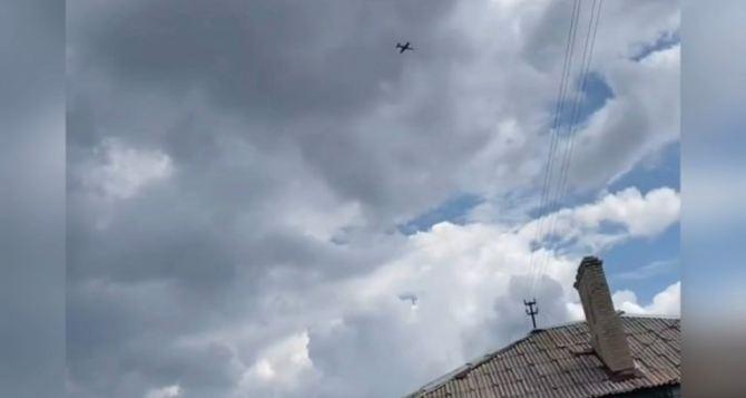 Впервые за 6 лет в небе Луганщины заметили военную авиацию: жители обеспокоены