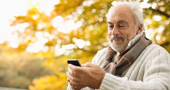 ТОП-10 лучших телефонов в 2021 году для пенсионеров