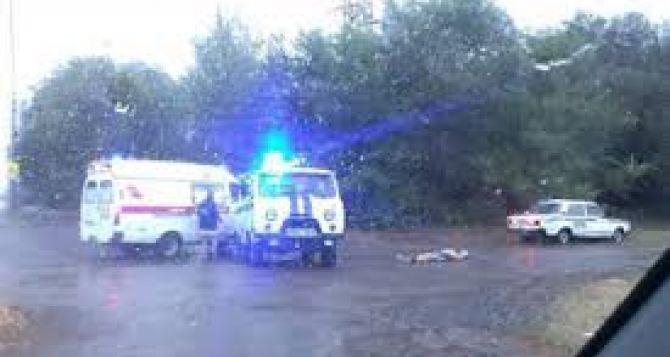 Под Луганском мужчину убило молнией прямо у автобусной остановки