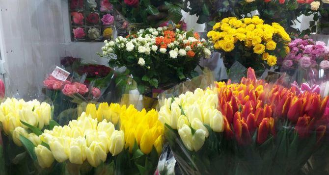 Почему доставка цветов становится популярной услугой