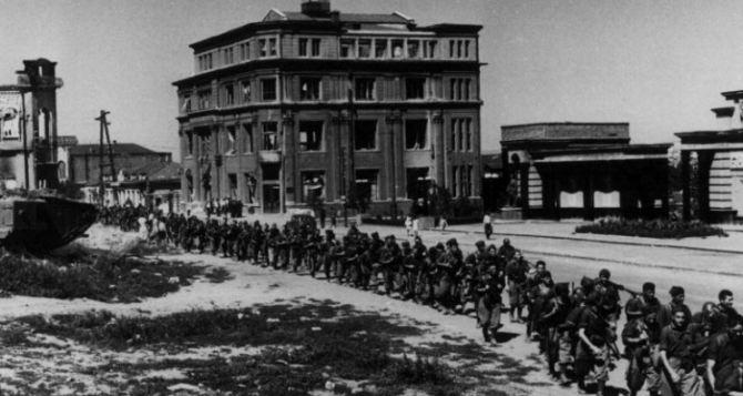 Как выглядел Луганск во время Второй Мировой войны: итальянцы и последствия бомбежек