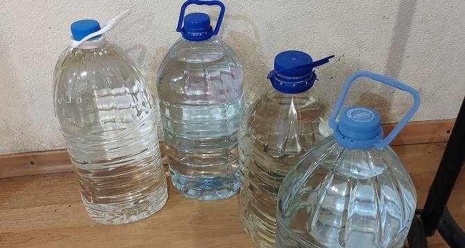 Жителей Луганщины просят запастись водой и терпением