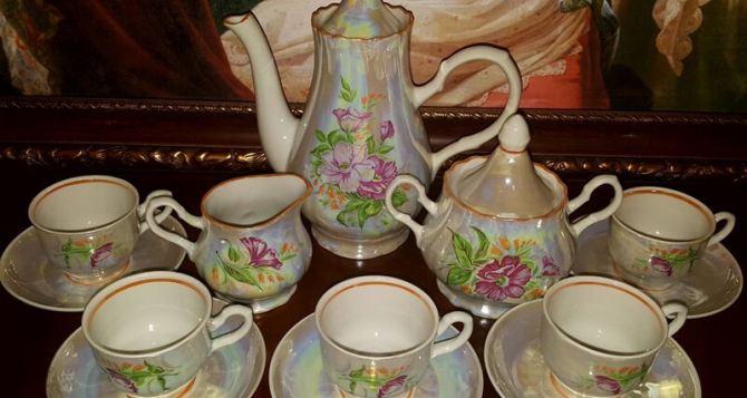 Почему не стоит пить чай из бабушкиного сервиза, а любимую сковородку мамы лучше выбросить