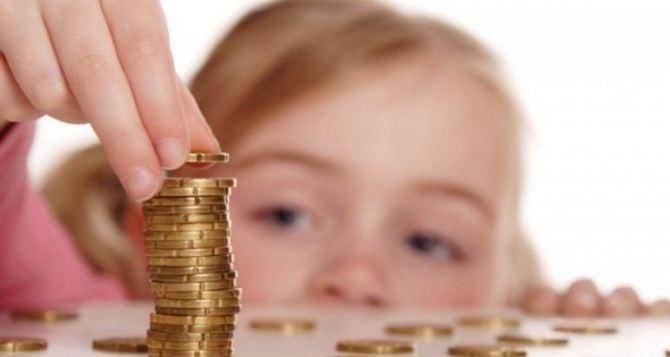 Декретные и соцвыплаты матерям, детям и малоимущим семьям с 1июля стали больше