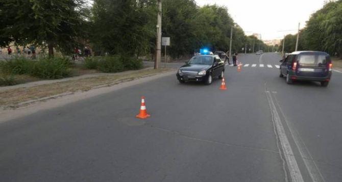 Двух восьмидесятилетних пенсионерок на пешеходном переходе сбил автомобиль