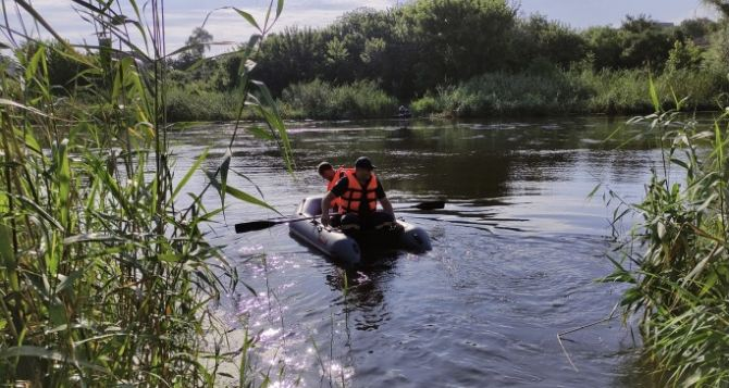 В Северском Донце утонула 9-летняя девочка. Спасатели не могут ее найти