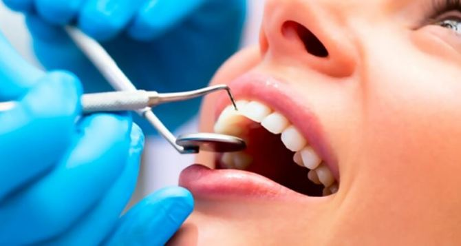 Как проводится гигиеническая обработка зубов в стоматологии