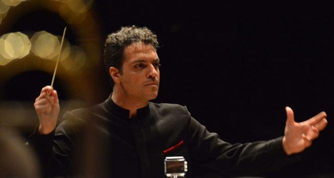 Знаменитый дирижер из Вены с симфоническим оркестром даст концерт в Северодонецке
