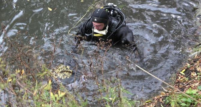 Мужчина утонул в Луганке, пытаясь спасти упавшую в воду супругу. ФОТО